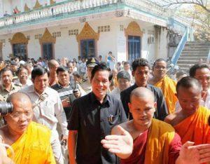 khoun-sreng-at-smaki-pagoda_pha-lina_large